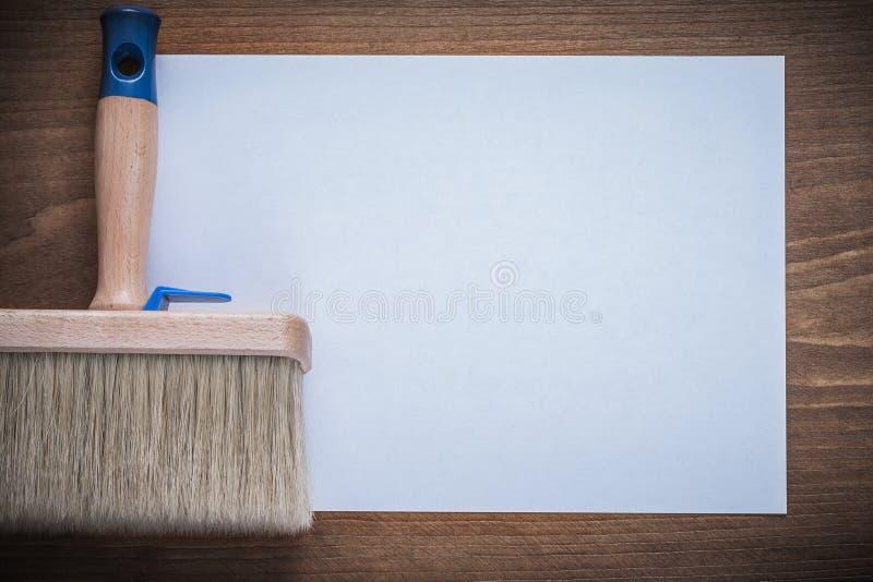 套干净的纸片和油漆刷建筑概念 免版税库存图片