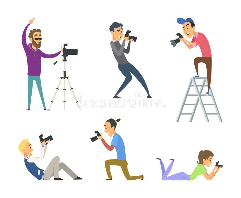 套摄影师在工作 与数字照相机的男性和女性漫画人物 向量例证