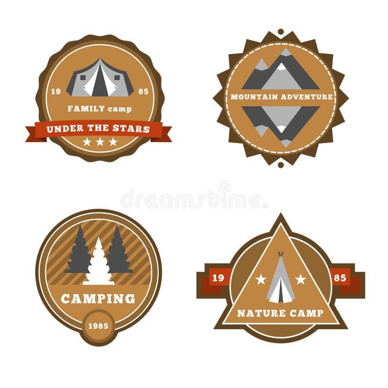 套野营和室外冒险贴纸商标证章标签 向量例证