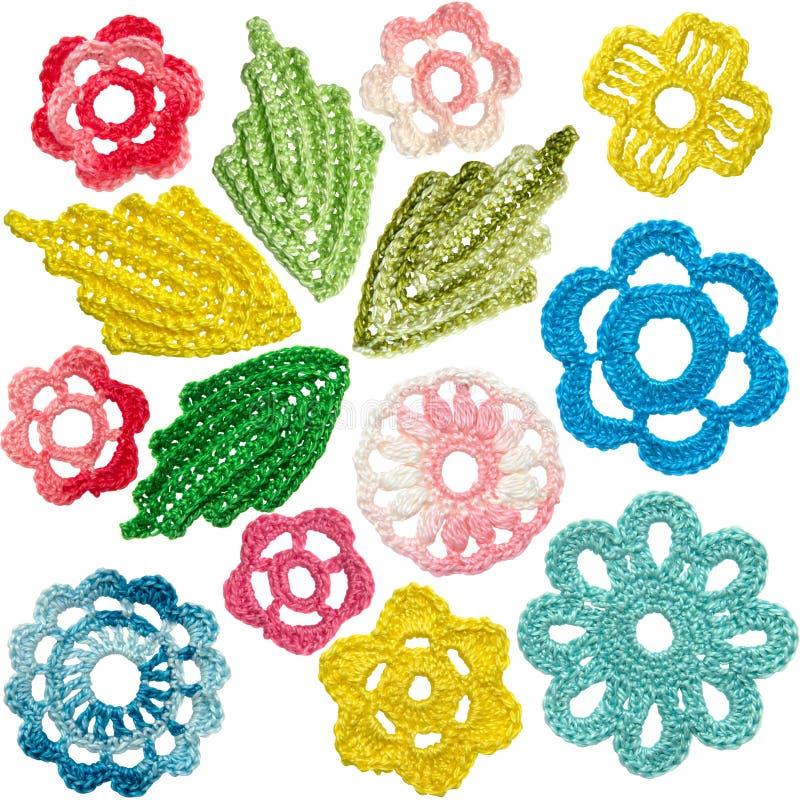 套钩针编织的花和叶子仿照爱尔兰鞋带样式 免版税库存照片