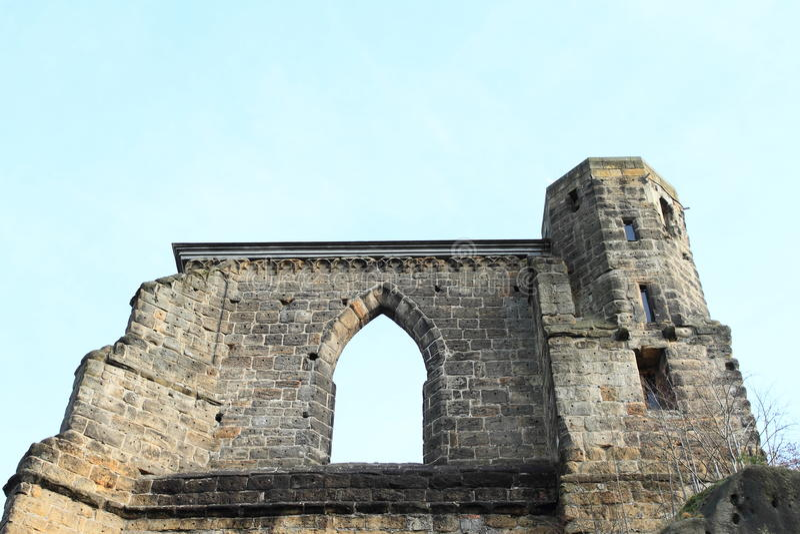 奥伊宾城堡和修道院的废墟教会 免版税库存图片