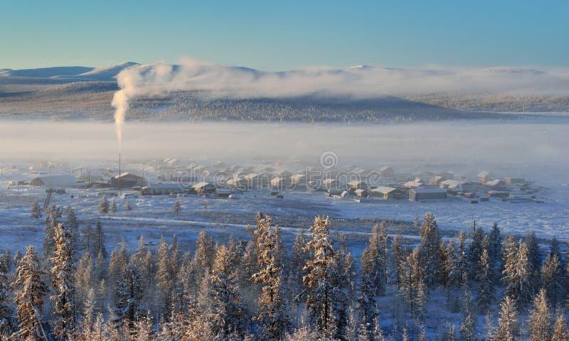 奥伊米亚康冬天风景  雅库特,俄罗斯 库存照片