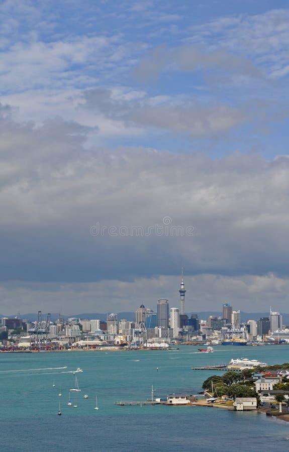 奥克兰从devonport的市视图 免版税库存图片