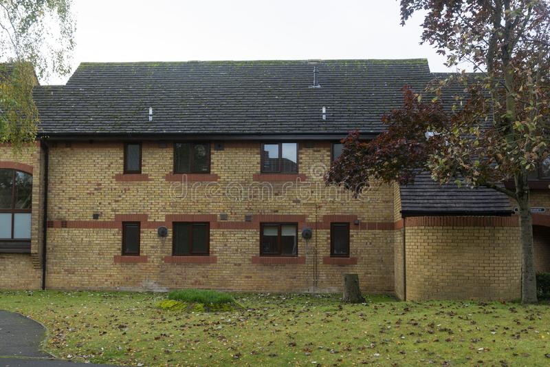 奥克姆 2019年10月19日 — 英国传统橙色砖墙村楼 库存照片
