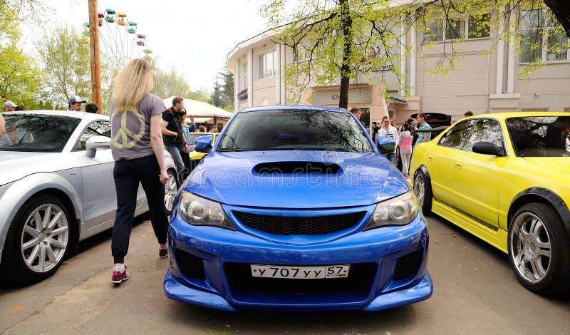 奥勒尔号,俄罗斯- 2017年5月01日:自动野餐 调整的习惯汽车 库存照片