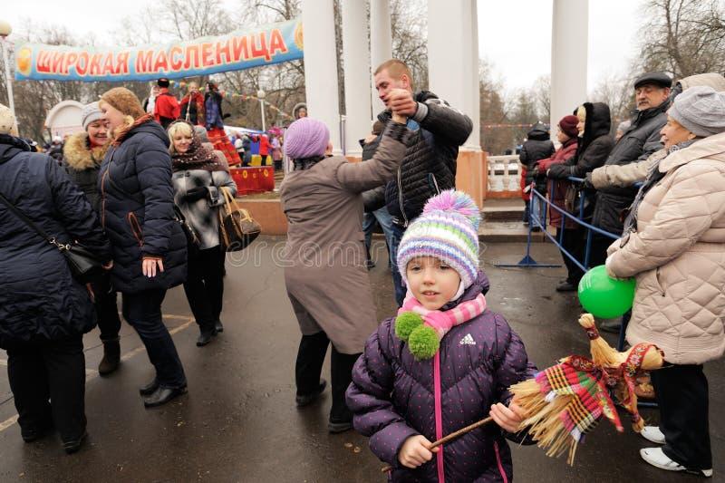 奥勒尔号,俄罗斯- 2016年3月13日:Maslenitsa,薄煎饼节日 Gir 图库摄影