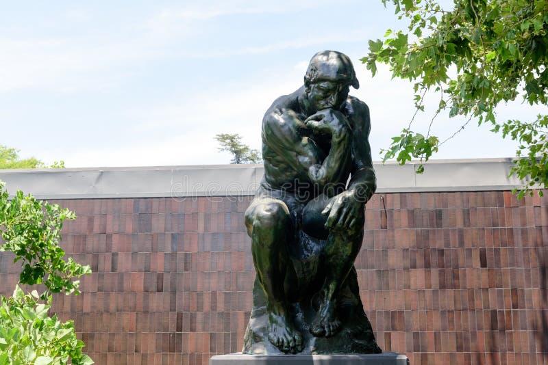 奥古斯特・罗丹的思想家在诺顿西蒙博物馆 免版税库存图片