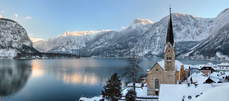 奥地利冷山多雪的冬天 库存照片