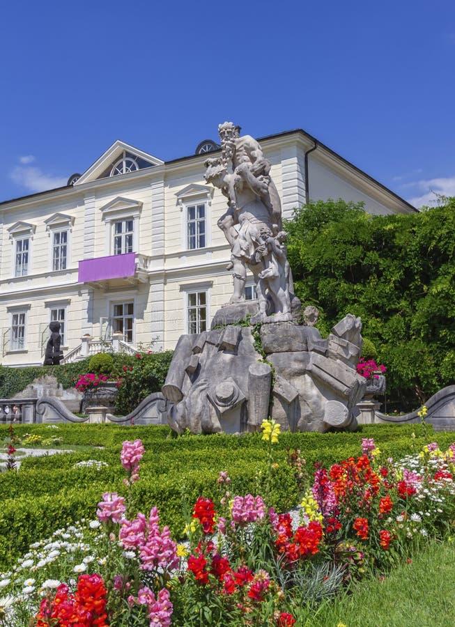 奥地利萨尔茨堡米拉贝尔花园的雕像 免版税库存图片