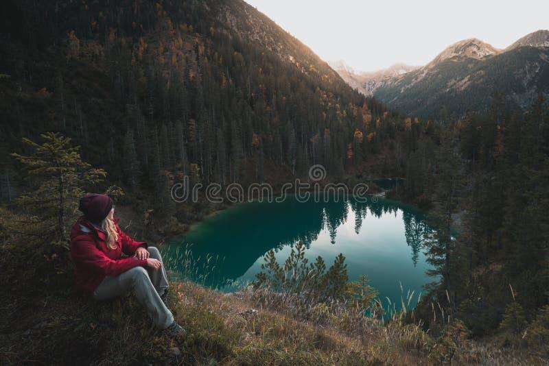 奥地利阿尔卑斯山脉的西格尔湖 免版税库存图片