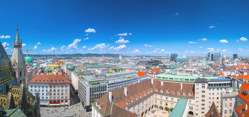 奥地利首都维也纳空中全景都市风景视图从北塔圣斯蒂芬的大教堂的 o 图库摄影