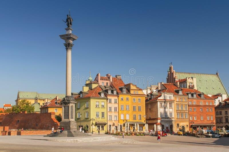 奥尔德敦和齐格蒙III Waza国王雕象全景在华沙,波兰 免版税库存图片