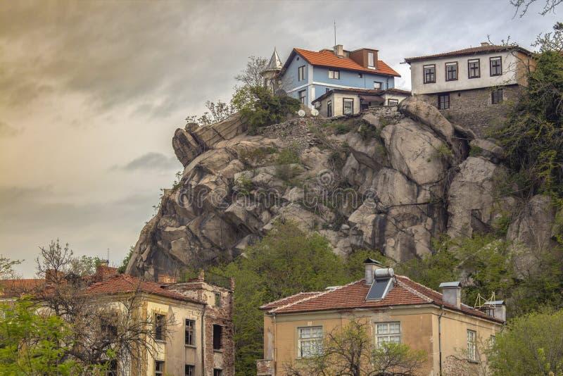 奥尔德敦的卓越的建筑学的部分的看法在普罗夫迪夫,保加利亚 免版税库存照片