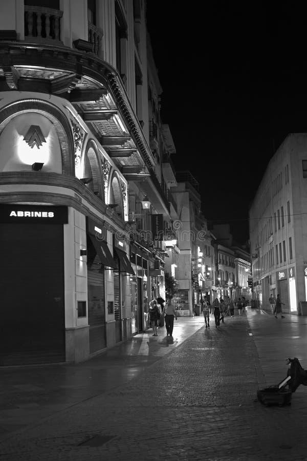 奥尔德敦,塞维利亚,西班牙在黑白照片的晚上 库存图片