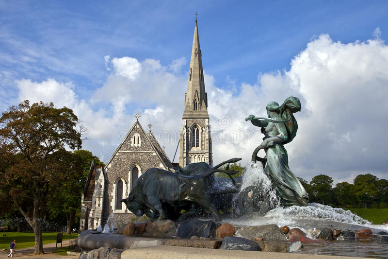 奥尔本教会喷泉gefion s圣徒 免版税库存照片
