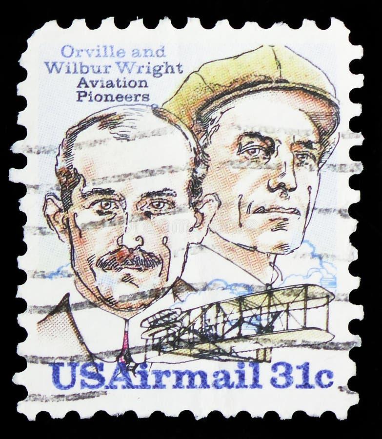 奥尔维尔和威尔伯怀特和飞行物A,莱特兄弟问题serie,大约1978年 免版税库存照片