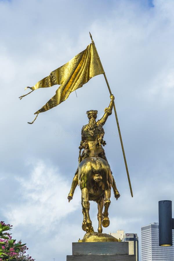 奥尔良雕象的圣贞德佣人在新的O上法国市场  库存图片