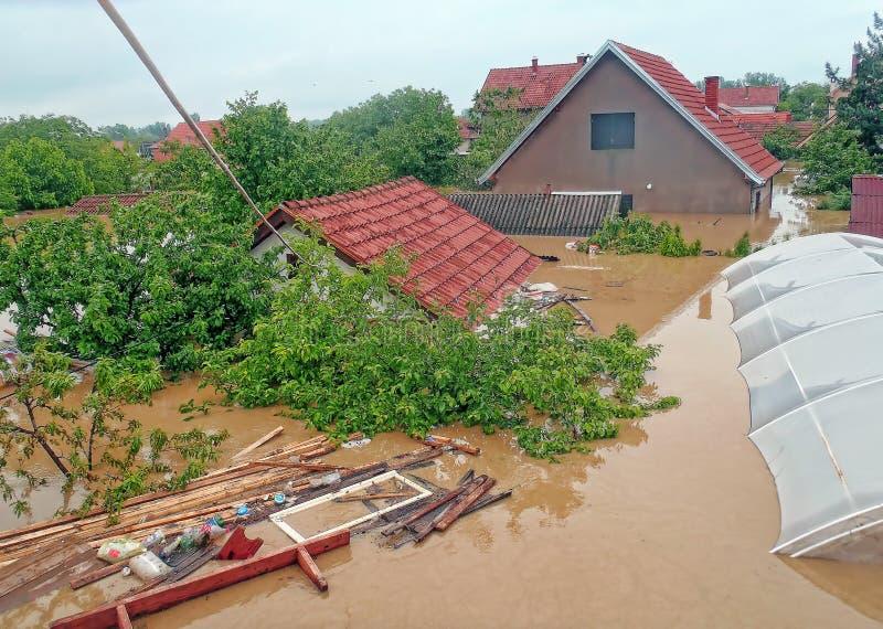 奥布雷诺瓦茨塞尔维亚- 2014年5月16日 洪水 免版税库存照片