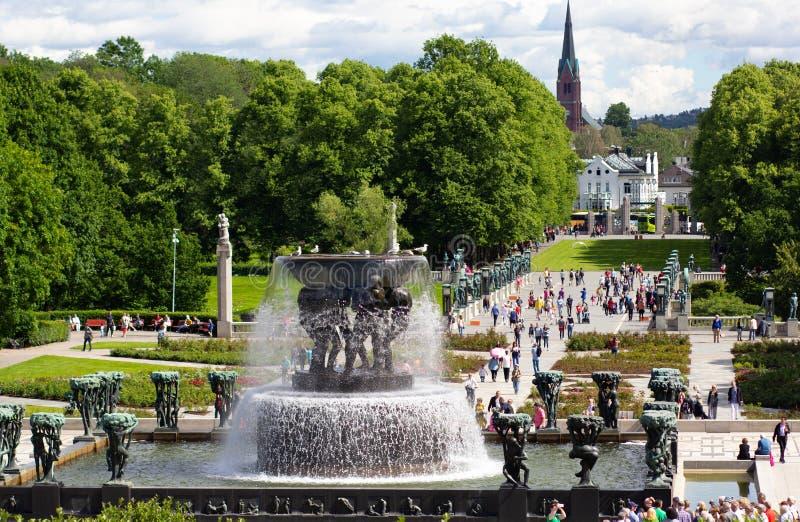 奥斯陆挪威- 2019年6月22日:喷泉看法在韦格兰公园 免版税库存图片