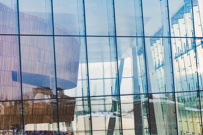 奥斯陆歌剧院玻璃门面 库存图片