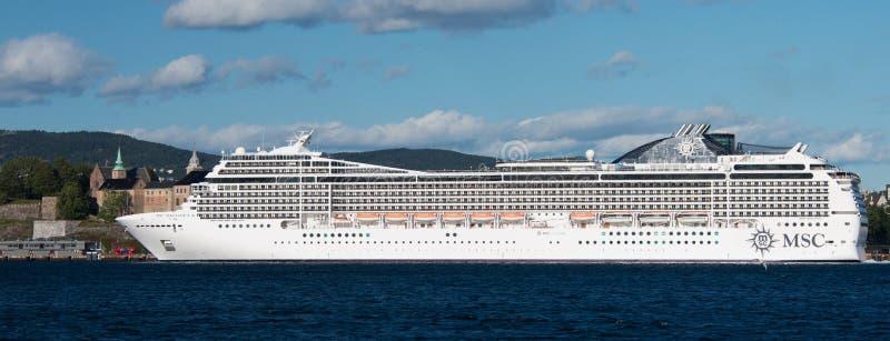 奥斯陆,挪威- 9月7 :MSC Magnifica是MSC巡航管理的一艘Musica班的游轮 库存图片
