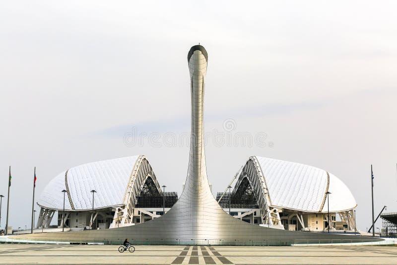 奥林匹克火炬和Fisht体育场,索契,俄罗斯 免版税库存照片