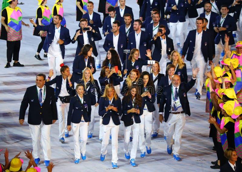 奥林匹克队希腊前进了入里约2016奥林匹克开幕式在马拉卡纳体育场在里约热内卢 库存图片