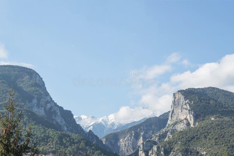 奥林匹斯山峡谷和奥林匹斯山峰顶 免版税库存图片