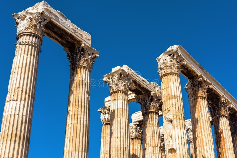奥林山宙斯寺庙废墟在雅典,希腊 免版税库存图片