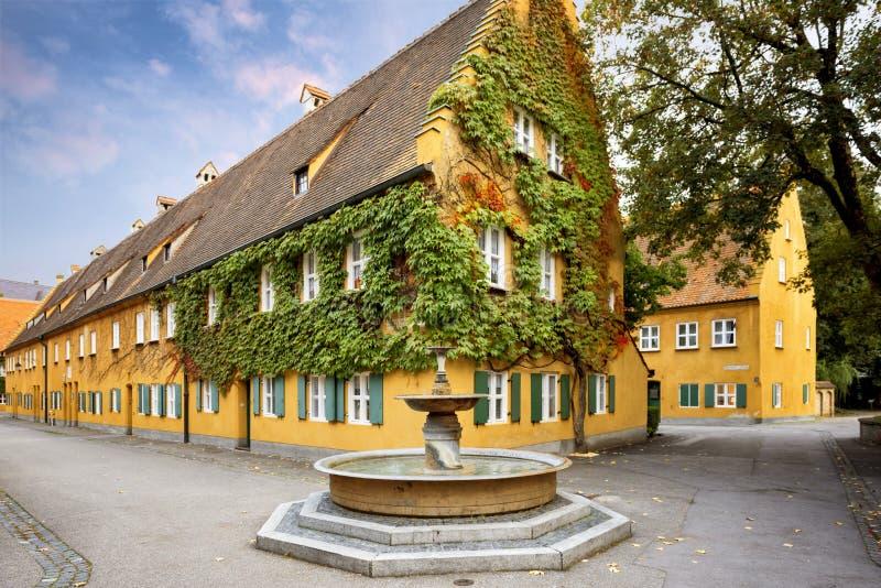 奥格斯堡:Fuggerei -世界最旧的社会住房 巴伐利亚德国 图库摄影