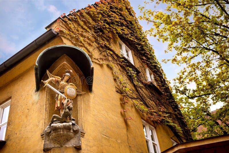 奥格斯堡:Fuggerei -世界最旧的社会住房 巴伐利亚德国 库存照片