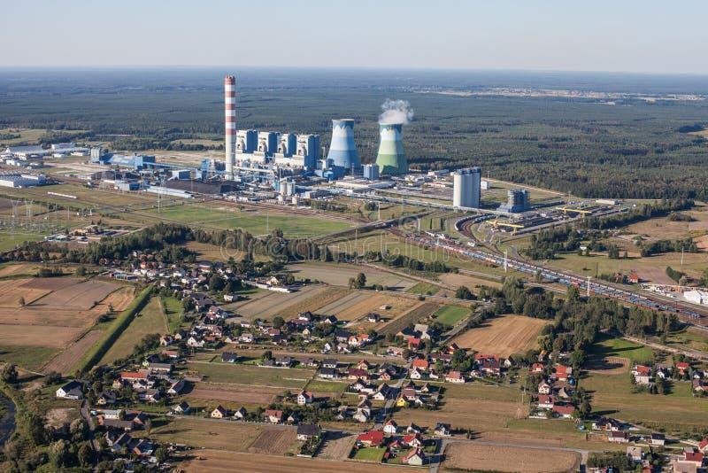 奥波莱市能源厂鸟瞰图  免版税库存照片