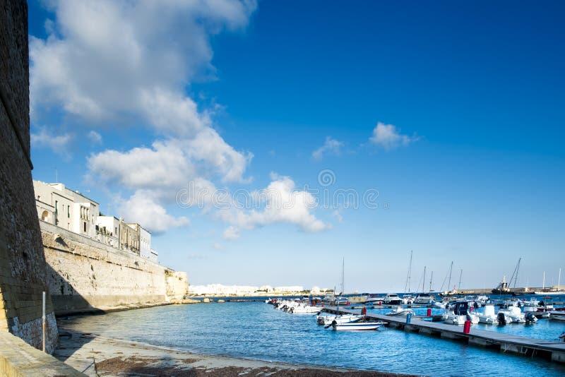 奥特朗托、城堡和口岸 免版税图库摄影