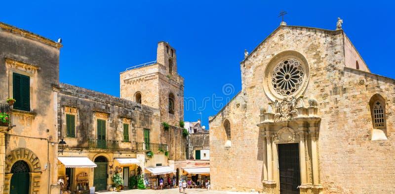 奥特朗托历史的街市, oldl大教堂 普利亚,意大利 免版税图库摄影