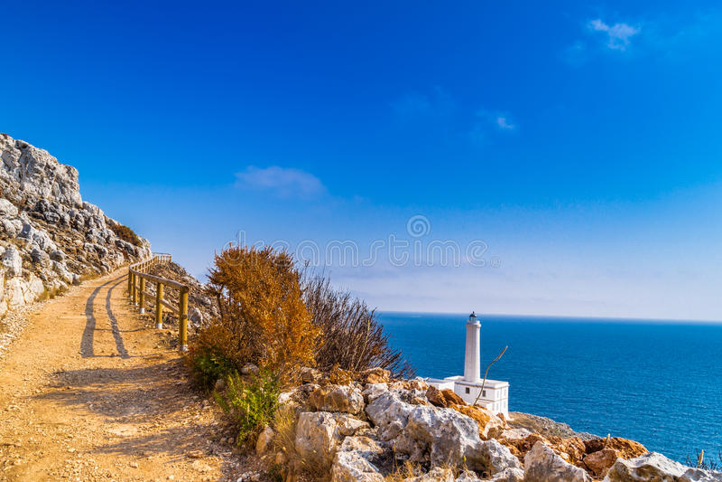 Download 奥特朗托海角灯塔在意大利 库存图片. 图片 包括有 花岗岩, 东部, 风景, 向东, 爱奥尼亚人, 品柱 - 62525383