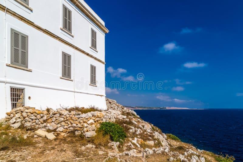 Download 奥特朗托海角灯塔在意大利 库存图片. 图片 包括有 的adolphe, 沿海, 定位, 海角, 外面, 全景 - 62525843