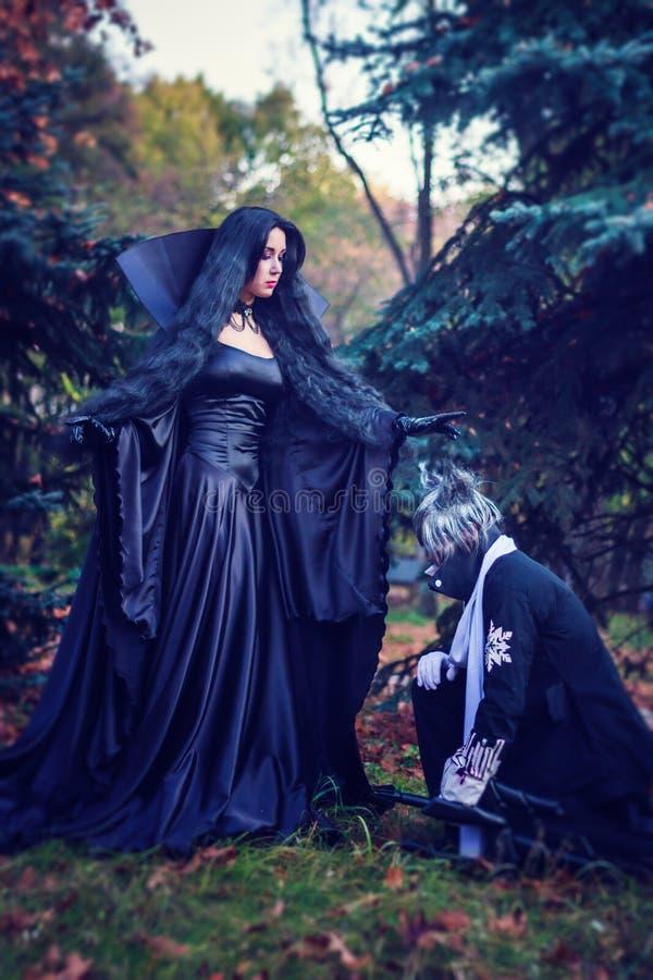 奥秘巫婆和她的诸候 免版税库存图片