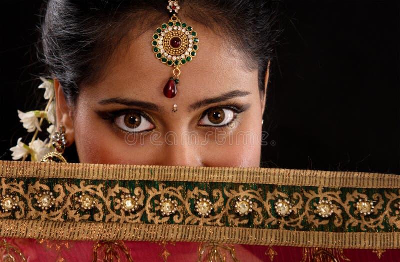 奥秘年轻印地安妇女 免版税图库摄影