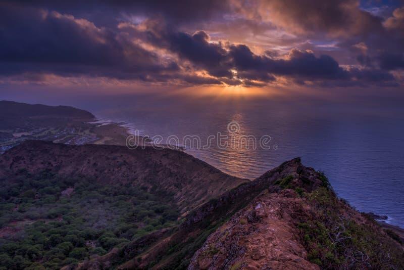 奥阿胡岛火山口日出 图库摄影