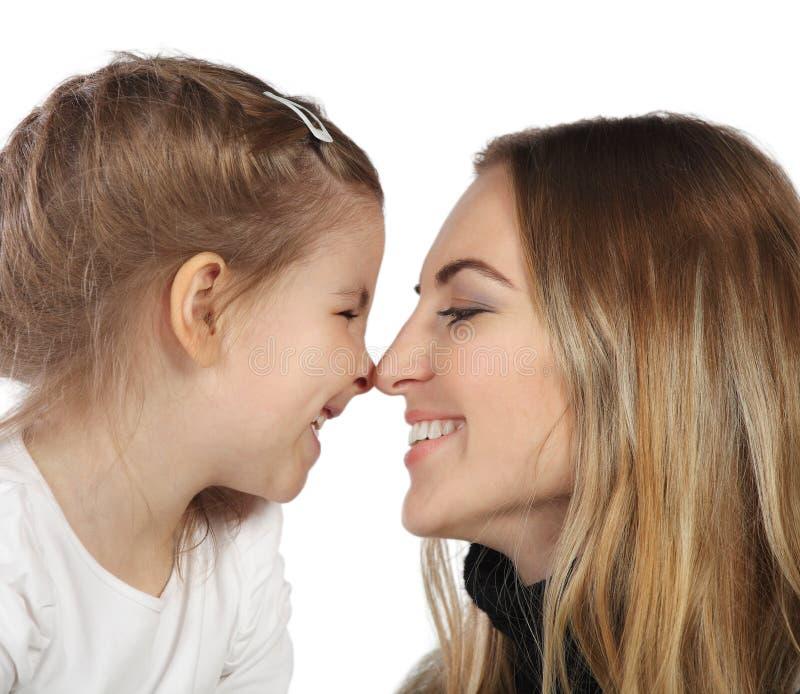女儿她的母亲纵向 免版税库存照片