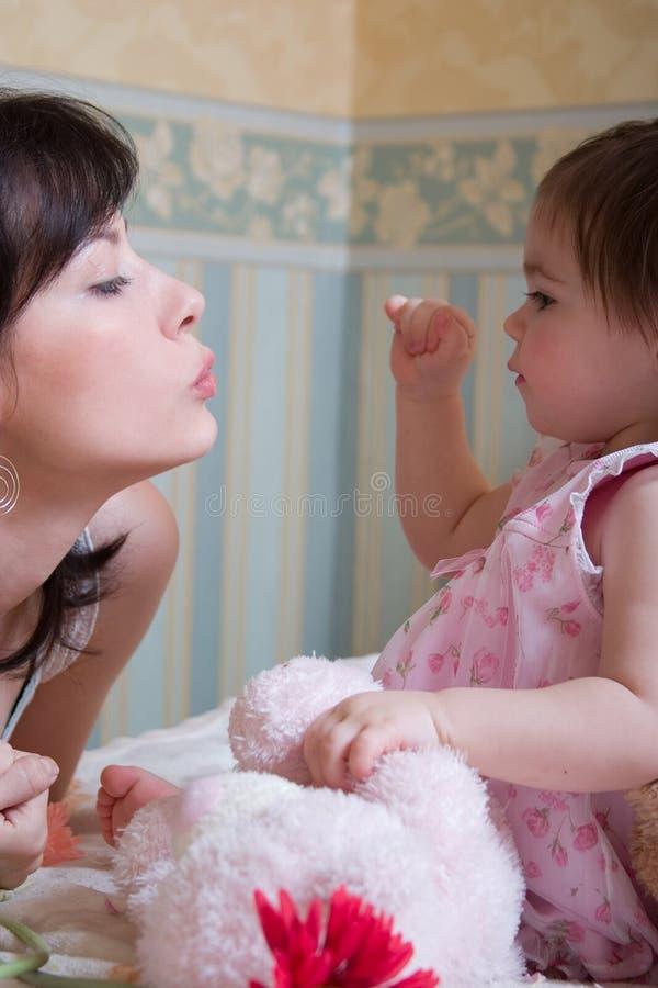 女儿母亲 免版税图库摄影