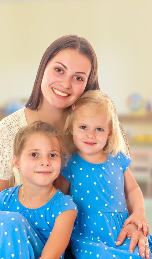 女儿照顾二 免版税库存照片