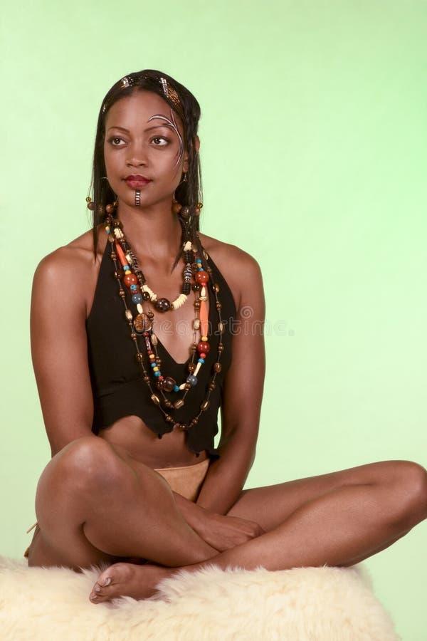 女儿领导先锋当地著名部族妇女 库存图片