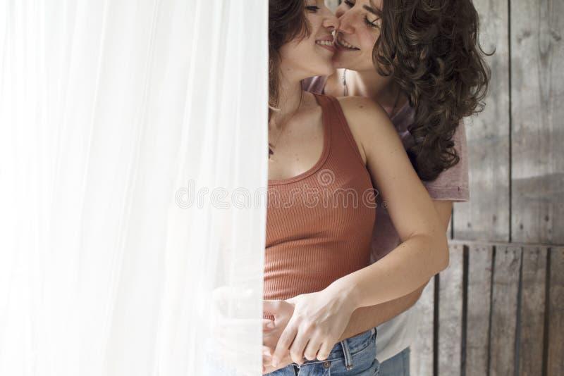 女同性恋15p_女同性恋的户内一起夫妇概念