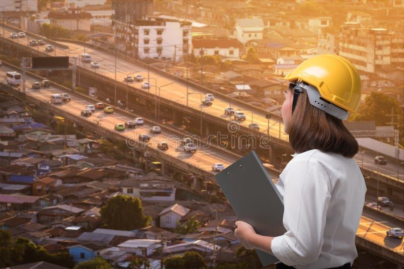 女商人资源人口和运输成长  免版税库存图片