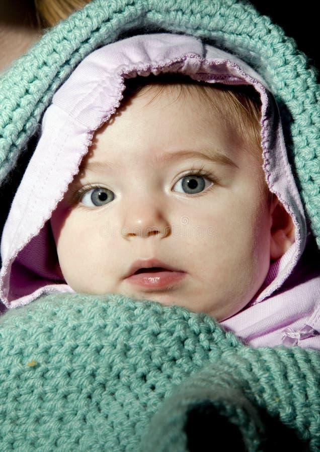 女婴包扎了 库存图片