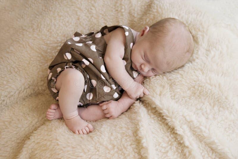 女婴老休眠三个星期 库存图片