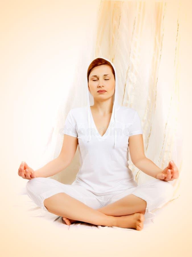 女子瑜伽年轻人 库存照片
