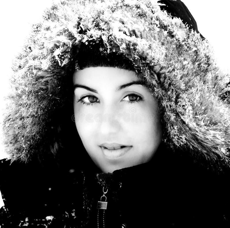 女孩俏丽的冬天 免版税图库摄影