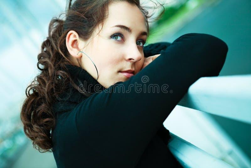 女孩偏僻室外 免版税库存图片
